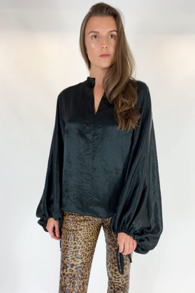 black blouse 4